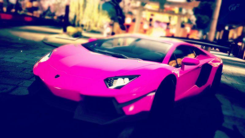粉色宝马高清宽屏桌面壁纸