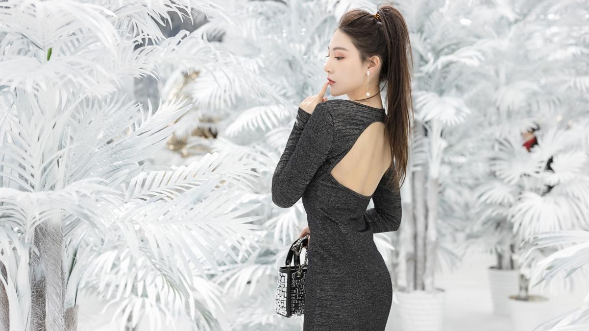 银黑色连衣裙美女刘奕宁4k电脑壁纸