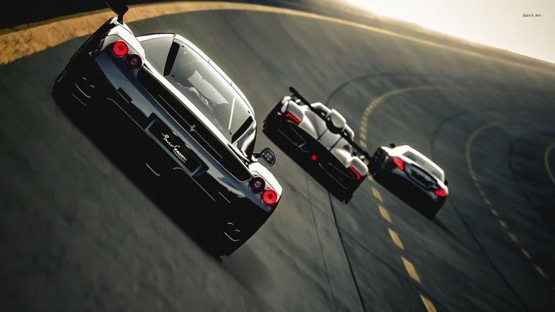 跑道上飞驰的高清赛车壁纸