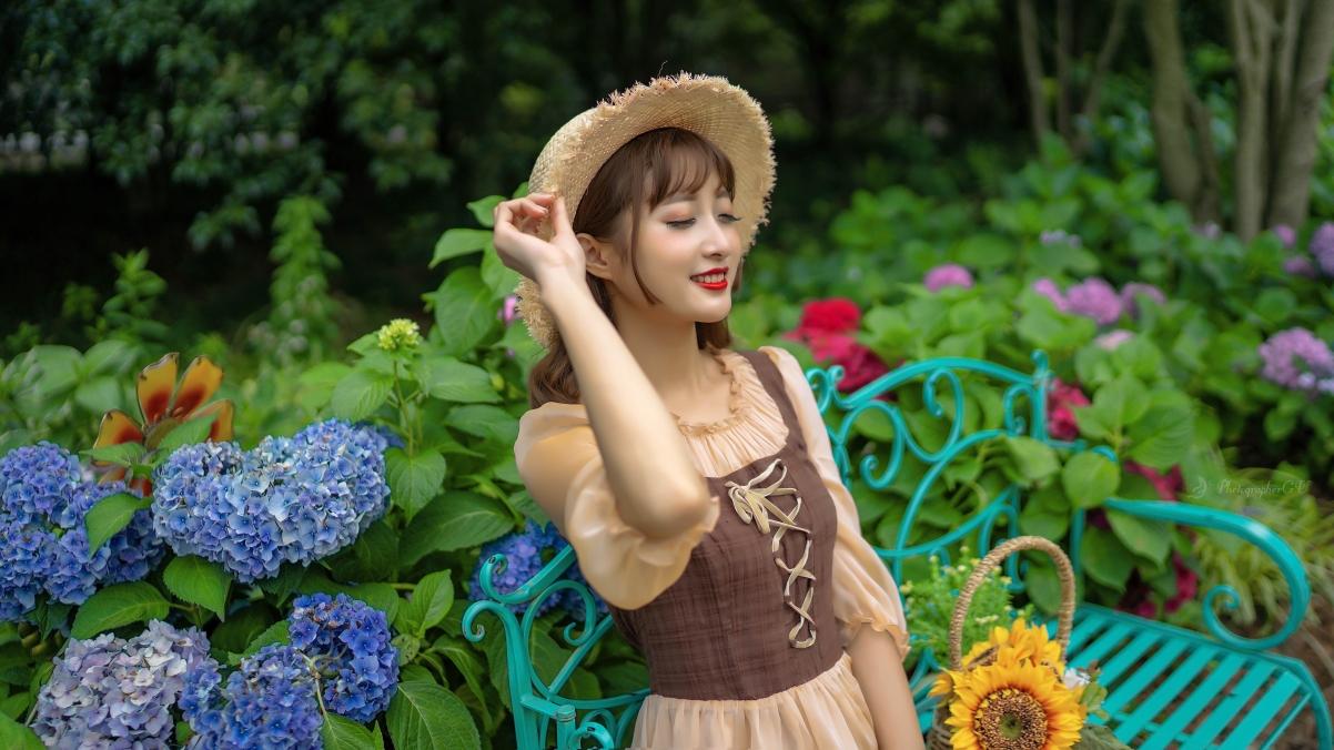 花丛中的可爱美女4k高清壁纸3840×2160