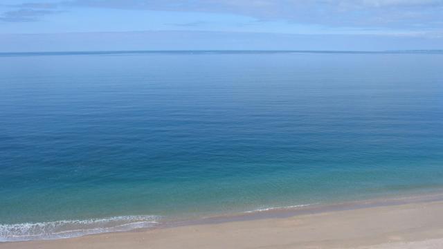 波光粼粼宏伟壮阔的大海