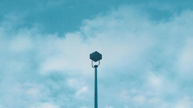 街边寂寞的路灯