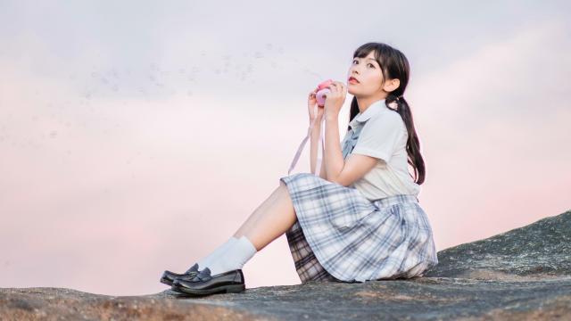 日系纯情学生妹甜蜜海边写真