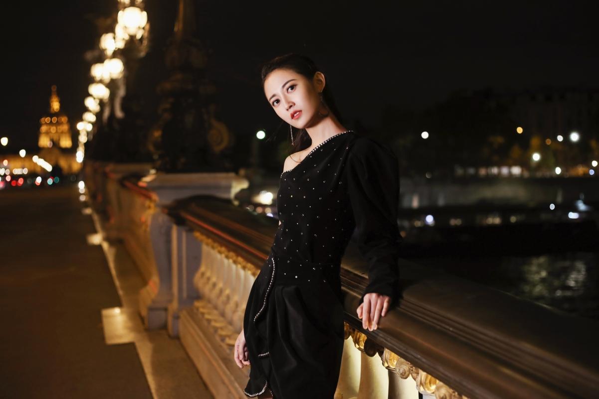 陈钰琪 夜拍 时装美女4k壁纸