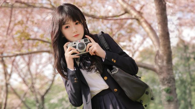 清纯校花美女甜美樱花写真