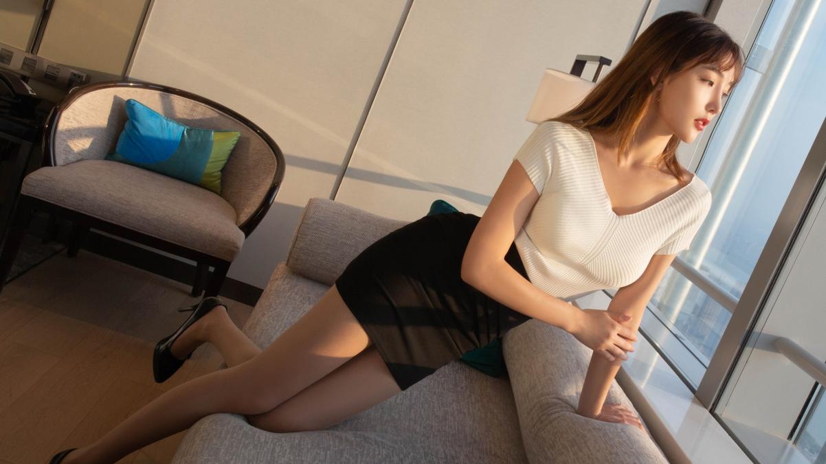 陆萱萱长头发 白色毛衣 黑色包臀裙美女4k壁纸